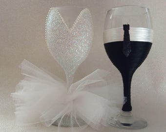 Wedding glasses flutes bride and groom