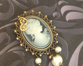 Black and white lady cameo brooch