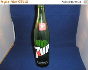 7-Up Bottle Vintage 1983 Collectible Soda Bottles - Col0121