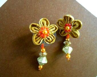 Dangle earrings - light brown - Kanzashi handmade