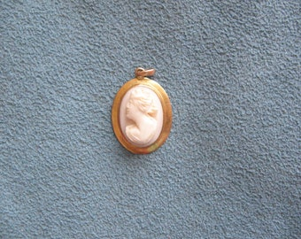 Small Cameo Pendant in 10K Gold Frame