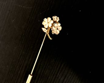 Vintage White Enamel Gold Toned Forget Me Not Floral Stick Pin
