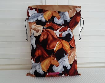 Racy horses on my pouch