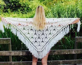 Crochet shawl ivory