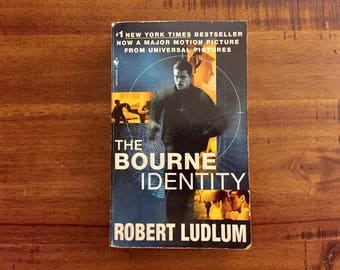 The Bourne Identity by Robert Ludlum Paperback Book / Bantam Books