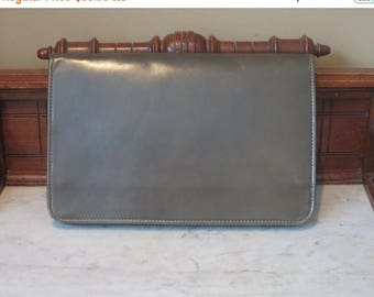 Reserved for Matt- Back To School Sale Vintage Portfolio Green Leather Multiple File Divider Laptop Case With Brass Talon Zipper- VGC