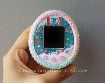 Pastel rainbow : Multicolor tamagotchi crochet case