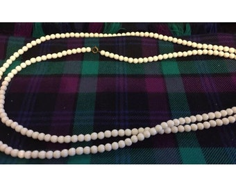 """Lovely vintage small white glass beads necklace long 40""""+"""