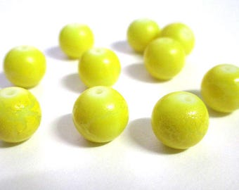 10 beads cracked yellow painted glass 10mm (O-36)