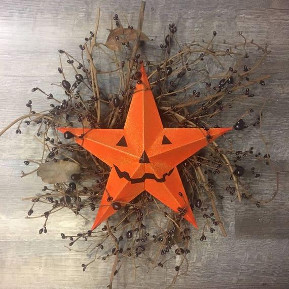 Americana Barn Star or Pumpkin Jack-o-Lantern Face Barn Star Grape Vine Wreath with Pip Berry Garland