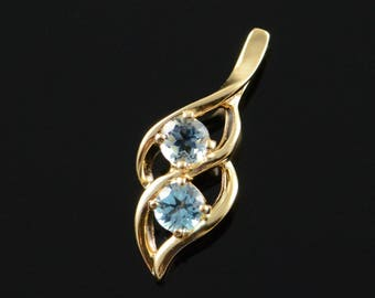 10k 0.50 CTW Blue Topaz Tear Drop Pendant Gold