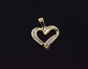14k 0.7 Ctw Diamond Inset Wavy Heart Charm/Pendant Gold