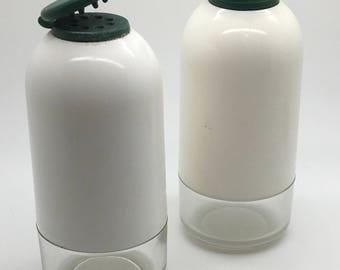 Tupperware Salt & Pepper Set  Shaker Table Top Hunter Green And White   Acrylic  Base Clear Stocking Stuffer