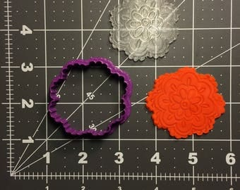 Flower 101 Cookie Cutter and Stamp (Embossed)