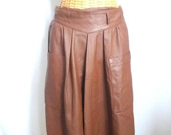 Vintage brown leather skirt / size 38 / 40 / high waist over knees / midi skirt / seventies / retro / skirt with pockets