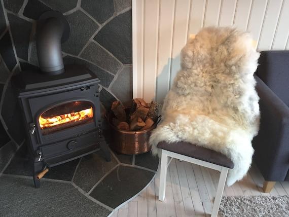 Sheepskin rug supersoft rugged throw from Norwegian norse breed medium locke length sheep skin grey 18025