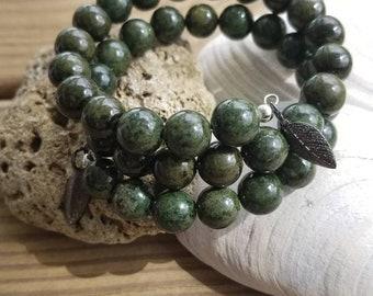 Simple Jade Green Memory Wire Bracelet