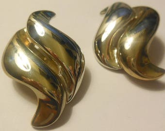 1980s Era Clip on Earrings Large Metal Vintage Costume Jewelry Classic Retro Style Women's Fashion Accessories Clips
