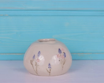 Small round vase with floral pattern - round vase floral - small vase flower pattern - hyacinths - hand-painted - hand rebuilt