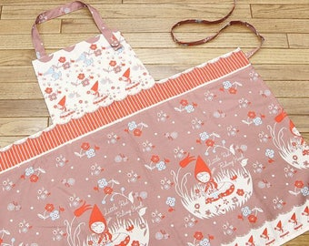 Japanese Shinzi Katoh Little Red Riding Hood Cotton Oxford Border Print | Tan/Light Bworn | one meter
