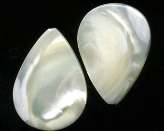 Mother of Pearl x 2 (733), natural stone, 25 x 17 x 4 mm, white