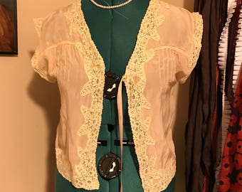 1920s or 30s bed jacket