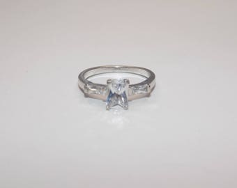 Beautiful sterling silver cz ring size 6 1/2