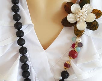Pearl Necklace black lava stone of the Etna with agate flower