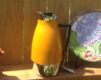 Vintage Riviera Insulated Chrome Pitcher w/ Leak-Proof Cap