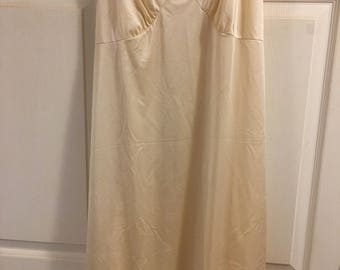 Women's Full Slip Sz 44... Beige: adds warm  and sleekness to a dress or skirt suit