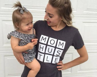 Mom Hustle Tee, soft dark gray graphic mom tee, mom t-shirt, mom shirt,  tshirt, positive tee, positive shirt, mom boss tee sale