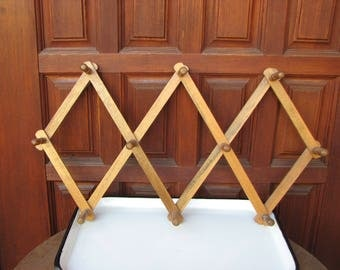 Vintage Expandable Wood Mug Rack, Hat Rack, Jewelry Holder, Key Holder, Scarf Holder, Mug Lover