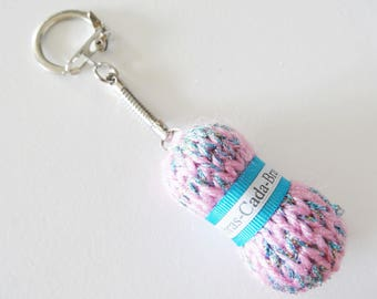 Key chain ball of yarn in blue and pink mixed customizable to the name of your choice