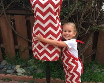 Mom & Daughter Aprons Set/ Red Chevron