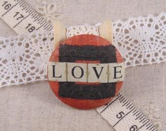 x 1 38mm fabric button love ref A12