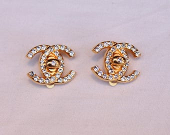 Chanel earring clip