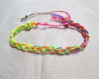 Bracelet with neon multicolored yarn