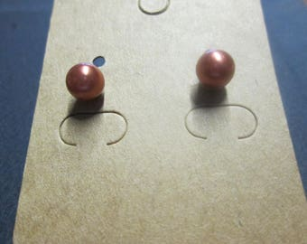 Nice pair of earring studs with a Brown ball