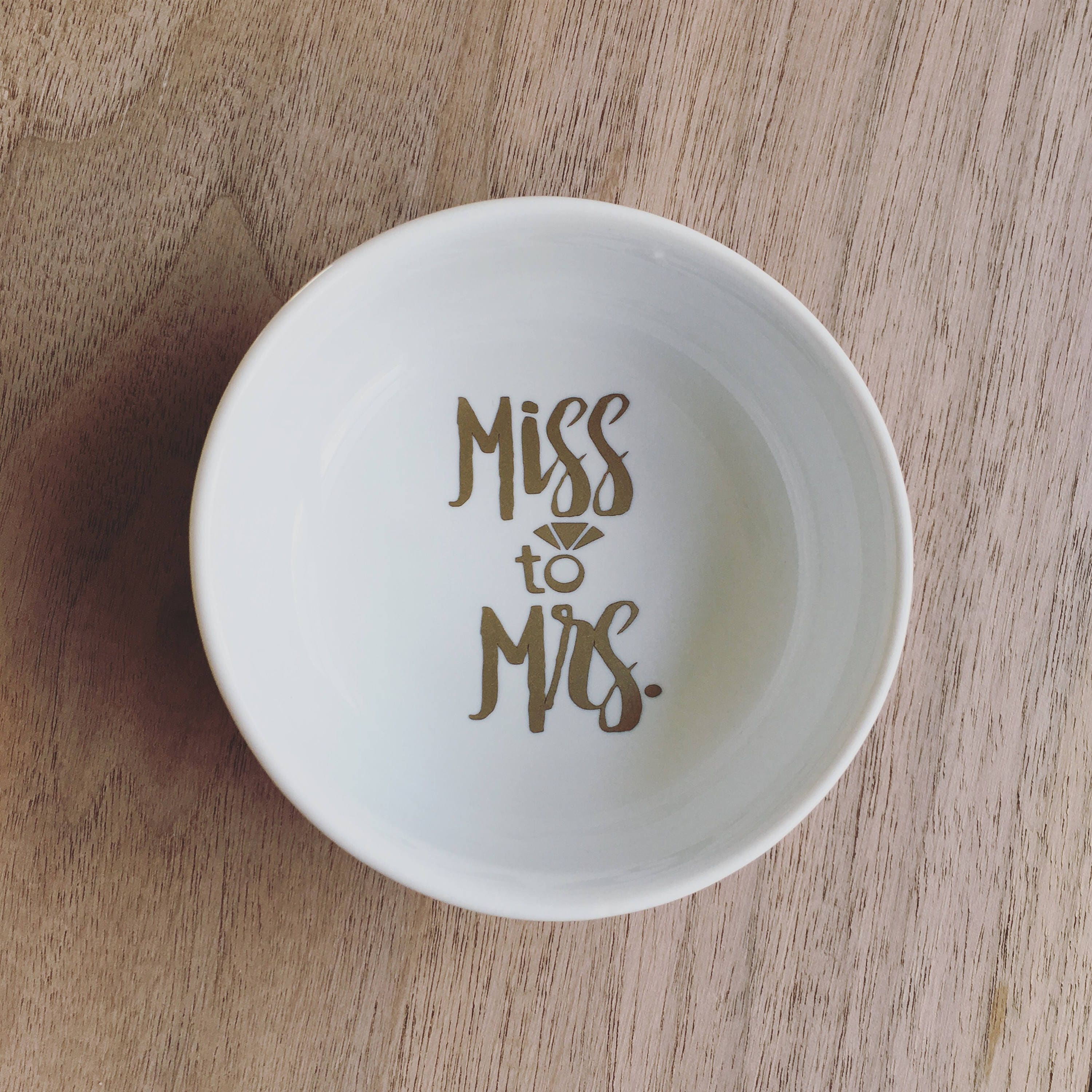 miss to mrs round ring dish white with gold for brides engagement wedding to store your engagement ring fiance feyonce - Wedding Ring Dish