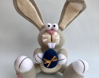 PACO crochet Easter Bunny