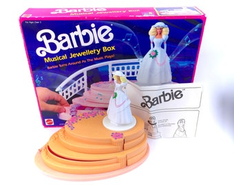 Vintage Barbie Musical Jewelry Box Complete With Storage Box Wedding Cake Pink Princess 1990 Original 90s Classic Toys