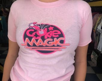 "Vintage Softy Pink Bunny ""Cookie Magic"" Tshirt"