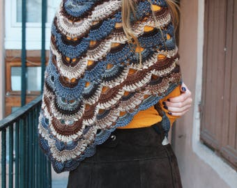 Spirit of 70's crochet shawl