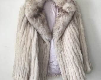 Incredible Short Vintage White Genuine Polar Fox Fur Coat Women's Size Large.