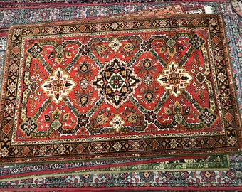 Magnificent rug 100% wool geometric pattern rug red green and brown color warm vintage old rug middle retro suitable for home & restaurant.