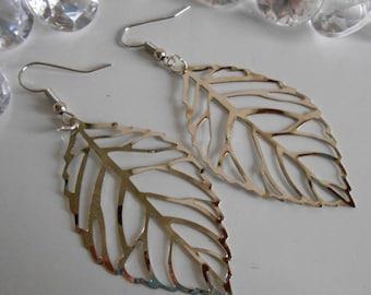 Silver filigree leaf earrings