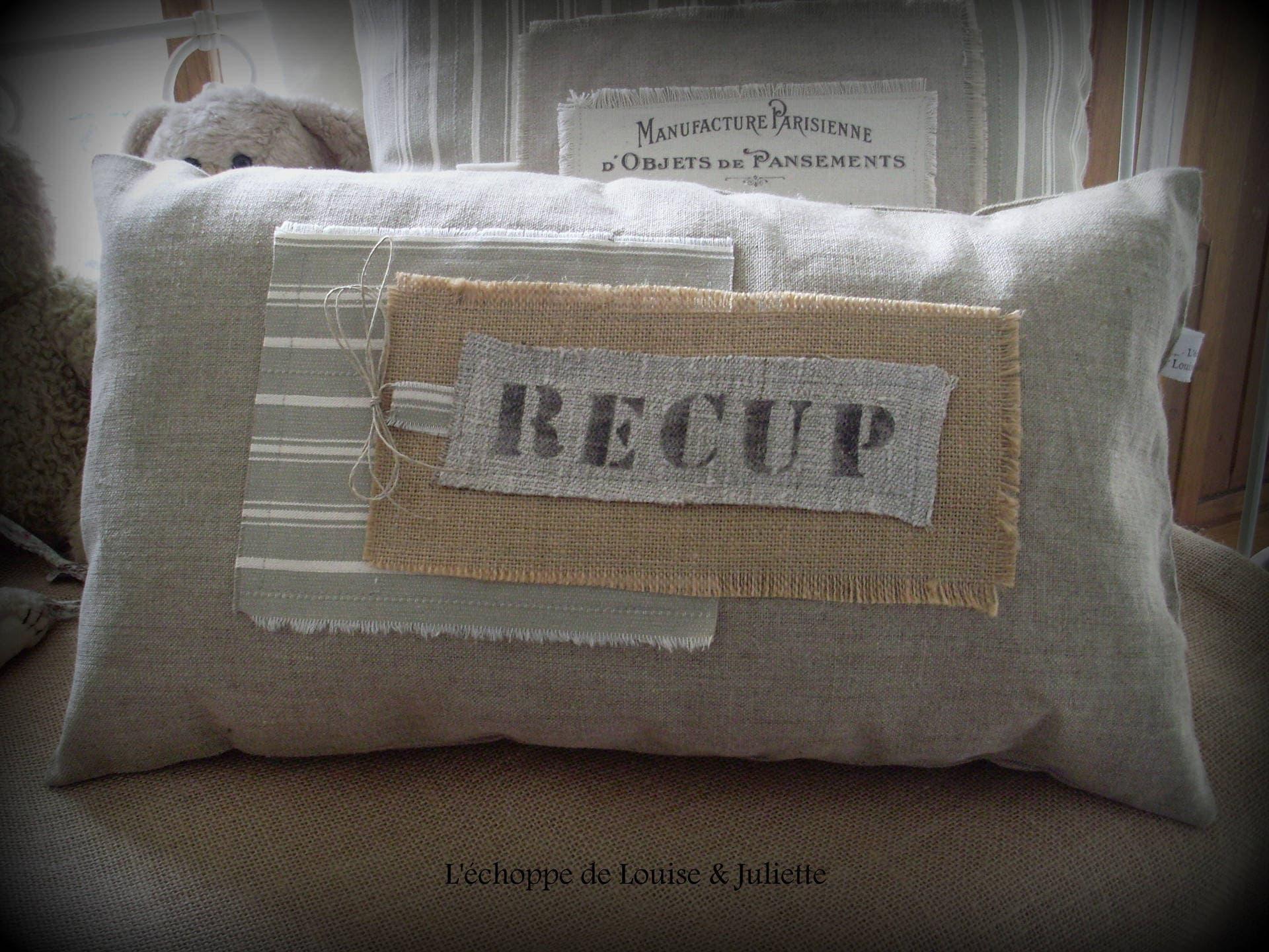 coussin industriel coussin imprim 100 lin motif. Black Bedroom Furniture Sets. Home Design Ideas