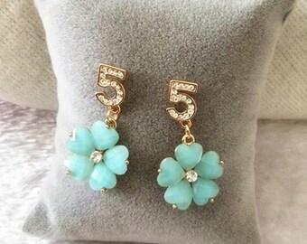 Vintage blue flowers and rhinestones earrings
