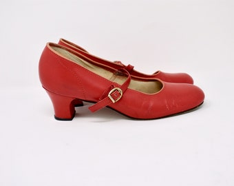 vintage red leather mary jane heel shoes / size 8
