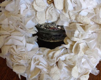 "Crown of linen and lace Shabby chic ""Leopoldine"""